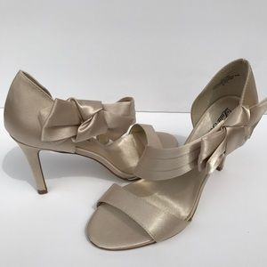 Lulu Townsend heels in creamy satin with bows!